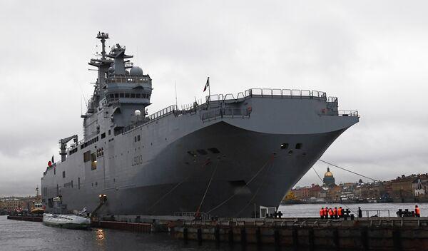Mistral: les navires seraient livrés à la Russie sans armements - Sputnik France