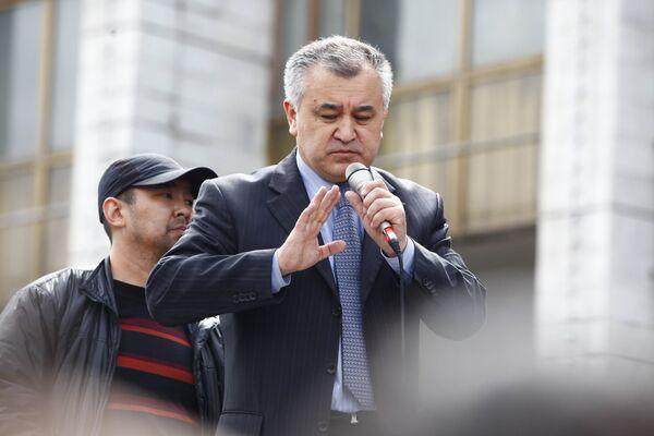 Omourbek Tekebaev, vice-premier ministre au sein du nouveau gouvernement - Sputnik France