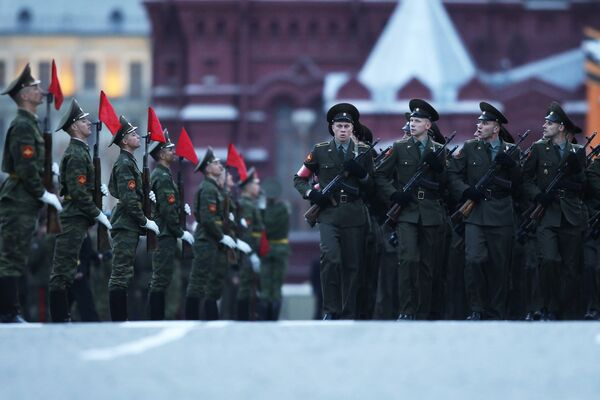 Victoire: plus de 102.000 militaires participeront aux parades en Russie (Défense) - Sputnik France