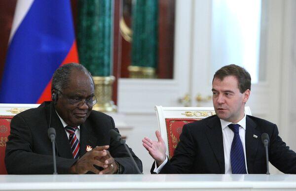 Le président russe Dmitri Medvedev et son homologue namibien Hifikepunye Pohamba - Sputnik France