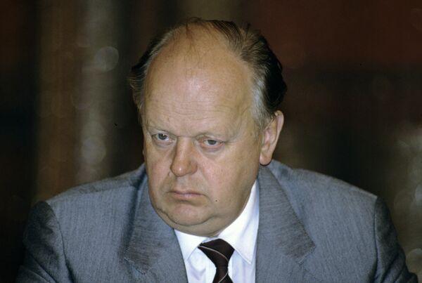 Biélorussie: une pension de retraite mensuelle de 1 USD pour le premier président - Sputnik France