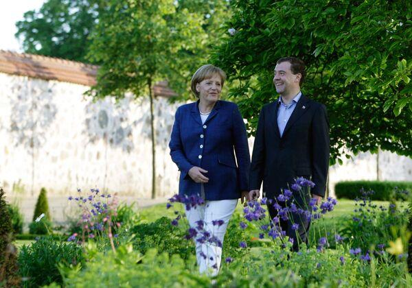Le président Medvedev arrive en Allemagne - Sputnik France