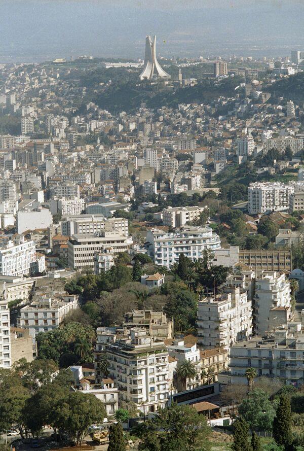 De peur que les événements sanglants ayant marqué l'histoire de l'Algérie ne se rééditent, les autorités algériennes déploient tous les efforts pour couper court à toute propagande extrémiste. - Sputnik France
