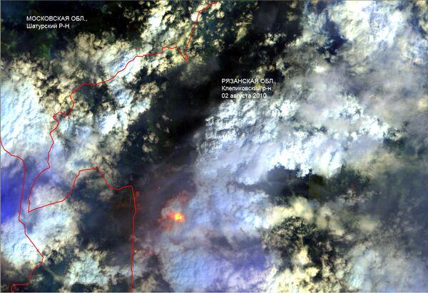 Incendies russes vus de l'espace: les nuages cachent les points chauds (Scanex) - Sputnik France
