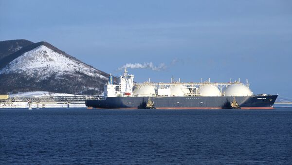 Танкер-газовоз Гранд Анива на территории первого в России завода по производству сжиженного газа (СПГ) - Sputnik France