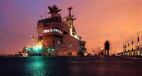 Le porte-hélicoptère de classe Mistral - Sputnik France