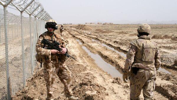 Военнослужащие ISAF убили афганца, копавшего землю у патрульной базы - Sputnik France
