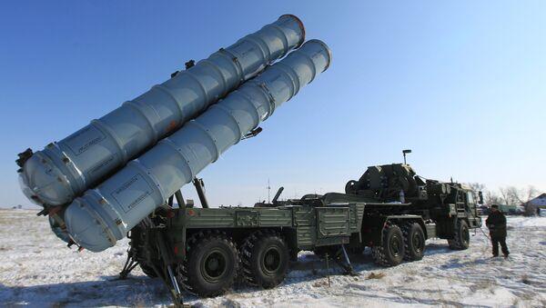Nouveau système de missiles sol-air S-400 Triumph - Sputnik France