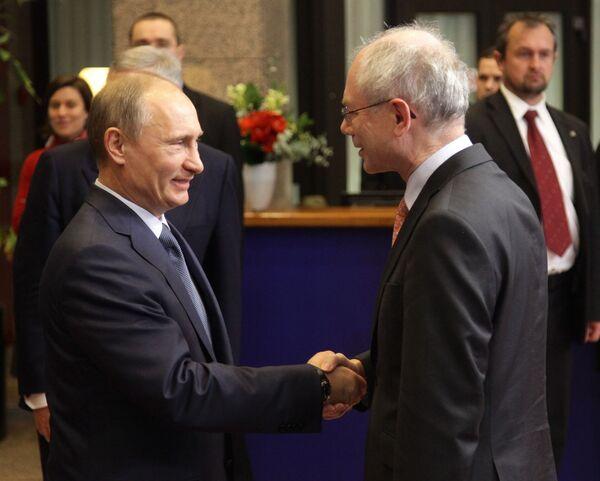 Le premier ministre russe Vladimir Poutine s'entretient avec le président du Conseil de l'Europe Herman Van Rompuy - Sputnik France