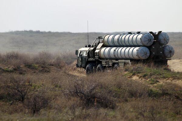 Les missiles (sol-air) S-300 - Sputnik France