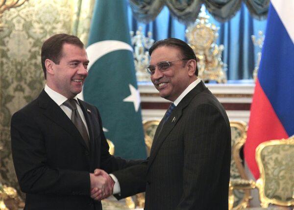 Dmitri Medvedev et Asif Ali Zardari - Sputnik France