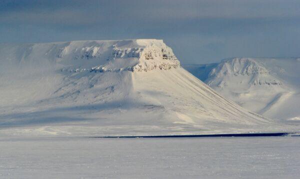 ExxonMobil se lance sur le plateau arctique russe - Sputnik France