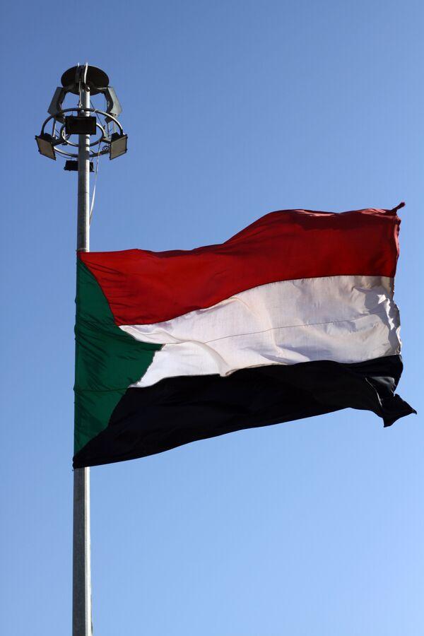 Soudan: 60 camions transportant de l'aide pour Juba interpellés par Khartoum - Sputnik France