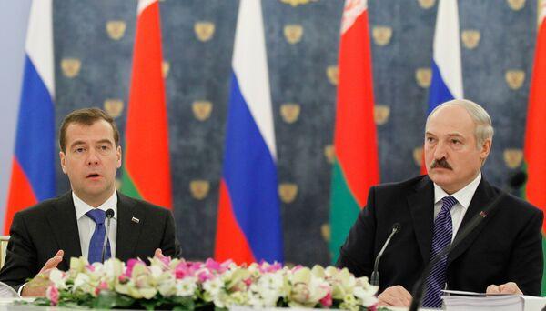 Dmitri Medvedev et Alexandre Loukachenko - Sputnik France