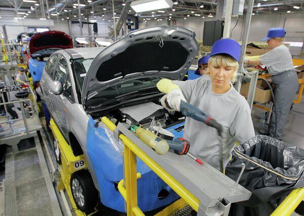 Russie - véhicules légers: la production en baisse au 1er semestre 2014 - Sputnik France
