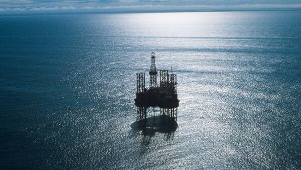 Плавучая буровая установка Ока в Охотском море - Sputnik France