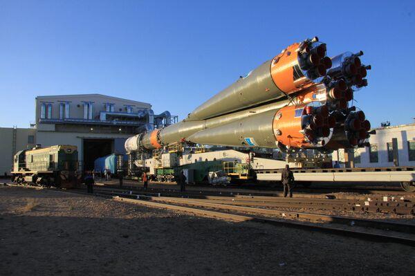Fusée Soyouz-U avec le nouveau cargo spatial Progress M-15M - Sputnik France