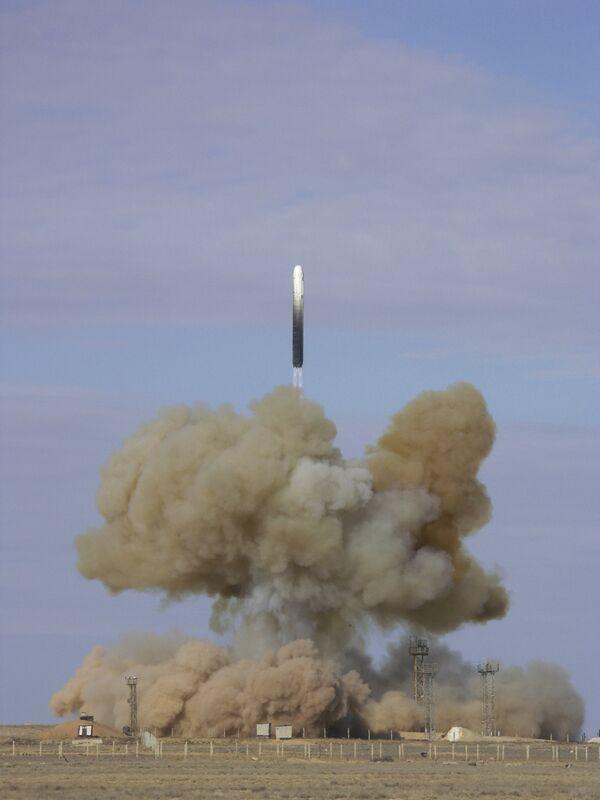 Russie: l'armée équipée de près de 400 lanceurs de missiles balistiques - Sputnik France