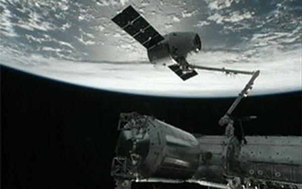 Un cargo privé américain Dragon décolle vers l'ISS - Sputnik France