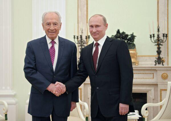 Shimon Peres et Vladimir Poutine - Sputnik France
