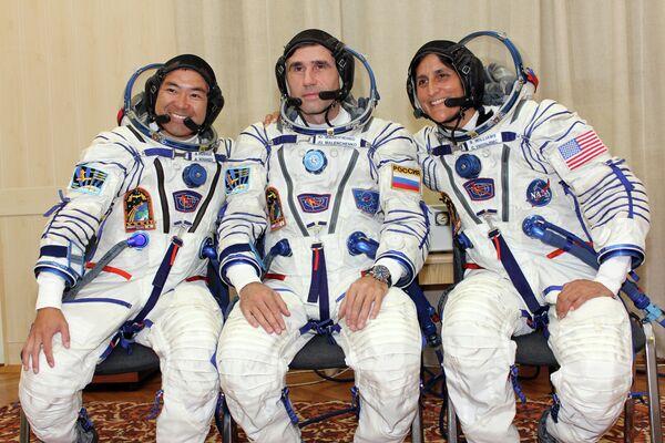 Akihiko Hoshide, Iouri Malentchenko et Sunita Williams - Sputnik France