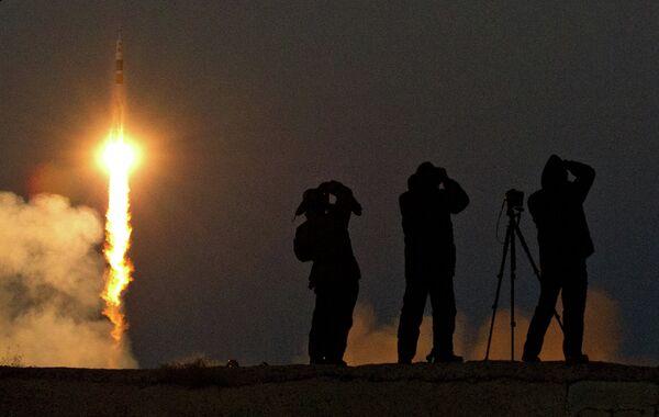 La Russie lancera son premier satellite privé en février 2014 - Sputnik France