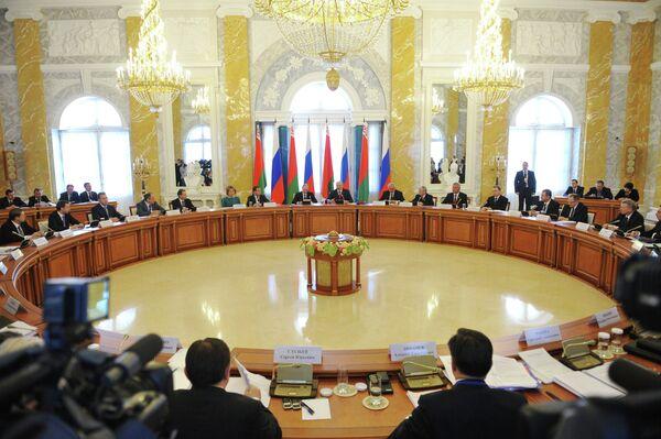 Réunion du Conseil supérieur d'Etat de l'Union Russie-Biélorussie à Strelna - Sputnik France