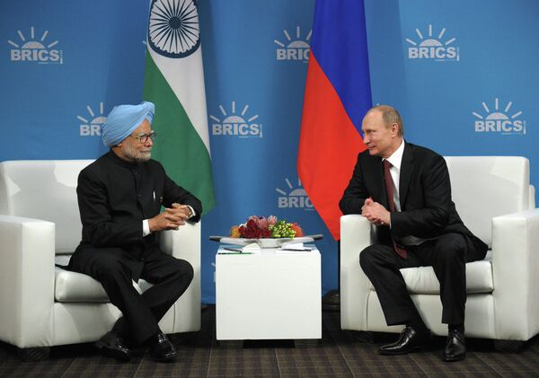 Premier ministre indien Manmohan Singh et président russe Vladimir Poutine - Sputnik France