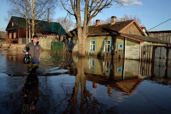 Russie: grandes crues dans la région de Nijni Novgorod - Sputnik France