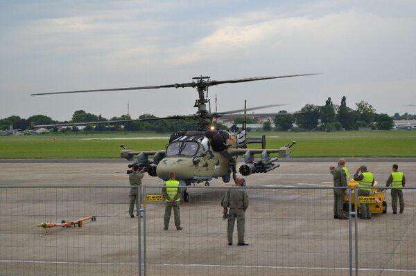 Salon du Bourget: le Ka-52 réalise son vol de démonstration - Sputnik France