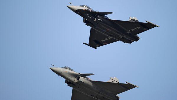 Французские многоцелевые истребители Dassault Rafale - Sputnik France
