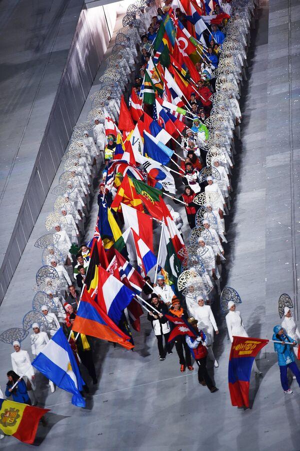JO de Sotchi/clôture: début du défilé des drapeaux - Sputnik France