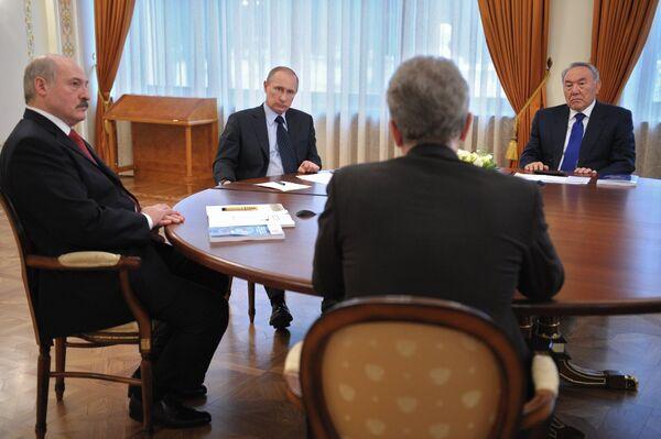 L'Union douanière accélère la création de l'Union économique eurasiatique (Poutine) - Sputnik France