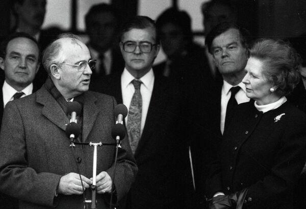 Dernier dirigeant de l'URSS Mikhaïl Gorbatchev et la première ministre britannique Margaret Thatcher (Archives) - Sputnik France