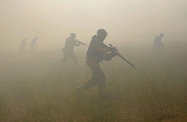 Ukraine: l'Otan accuse la Russie de concentrer 20.000 soldats à la frontière - Sputnik France