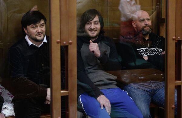 Roustam Makhmoudov (à gauche) et deux de ses complices - Sputnik France