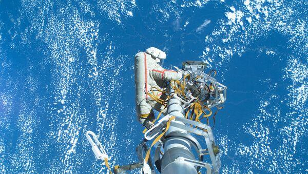 Выход космонавтов в открытый космос - Sputnik France