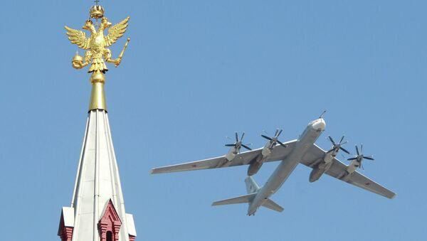 Военный парад, посвященный 65-летию Победы в Великой Отечественной войне - Sputnik France