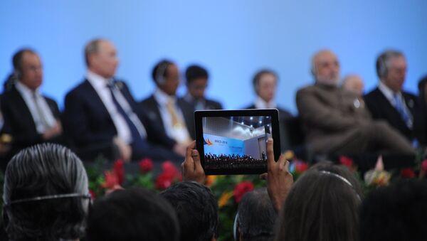 Les BRICS en route vers l'indépendance financière (Poutine) - Sputnik France