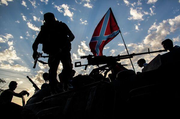 Ukraine: un groupe de militaires négocie sa capitulation (insurgés) - Sputnik France