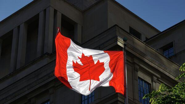 Sanctions: le Canada retire deux banques russes de sa liste noire - Sputnik France