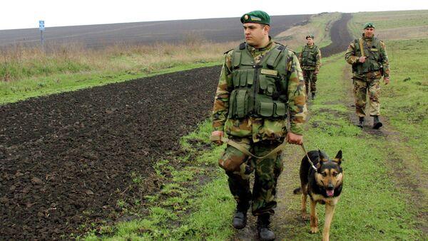 Les gardes-frontières ukrainiens - Sputnik France