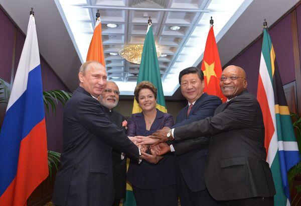 BRICS: Moscou prépare une stratégie de partenariat économique (Poutine) - Sputnik France