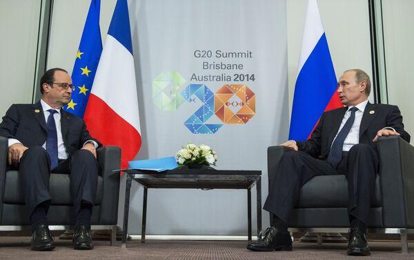 Président russe Vladimir Poutine et président français François Hollande - Sputnik France