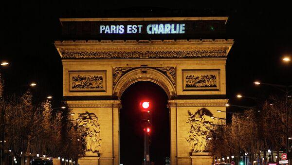 The message Paris is Charlie is projected on the Arc de Triomphe in Paris January 9, 2015, - Sputnik France