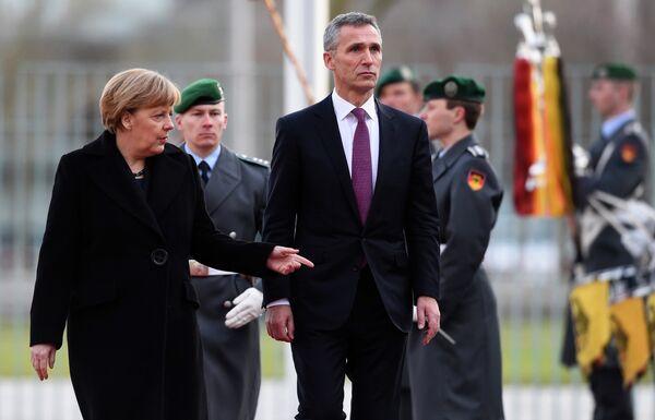 Angela Merkel et Jens Stoltenberg à Berlin - Sputnik France