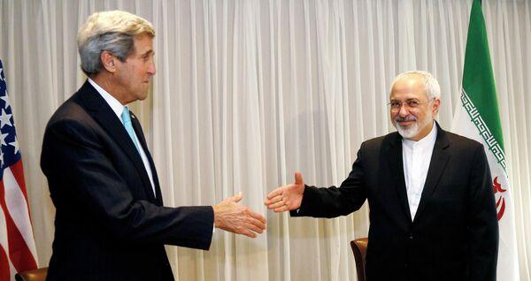 John Kerry et Mohammad Jawad Zarif - Sputnik France