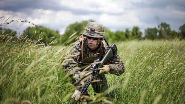 Солдат НАТО в Румынии - Sputnik France