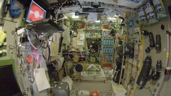 Звезда, один из модулей Российского сегмента Международной космической станции - Sputnik France