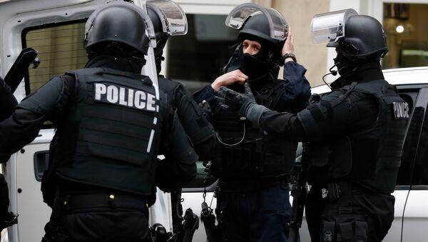 Arrestations en France: nouvelles recherches d'explosifs à Béziers - Sputnik France